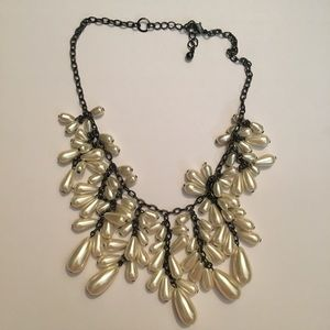 Jewelry - Beaded statement necklace